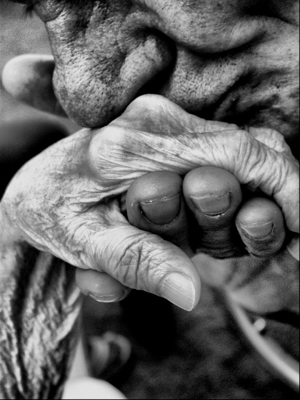 Kissing an old hand